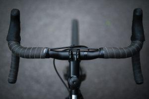 Bike handlebars Photo by asoggetti on Unsplash